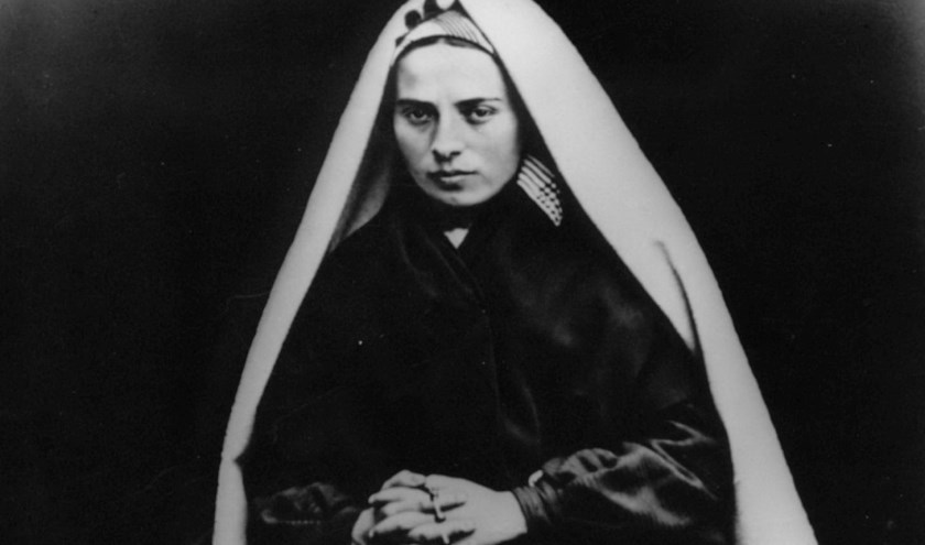 Bernadette Soubirous (1844-1879), die in 1858 achttien keer Maria zou hebben gezien in het Zuid-Franse Lourdes.