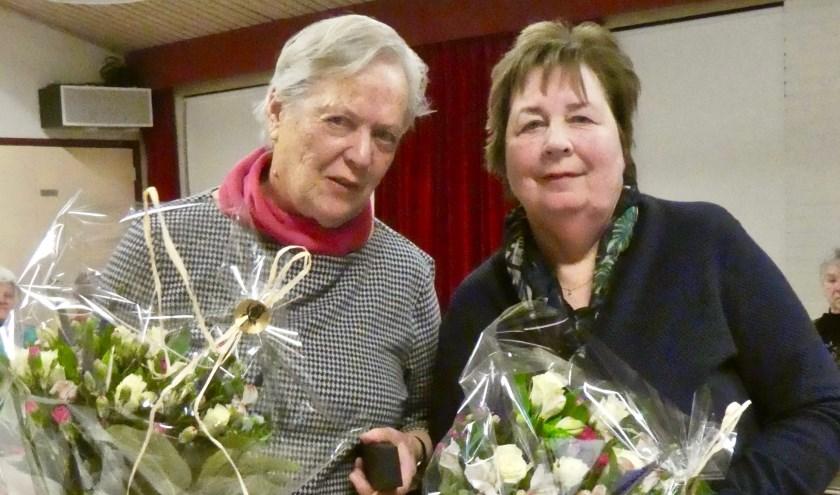 Ali Bonhof en Joke Vos, jubilarissen bijVrouwen van Nu.