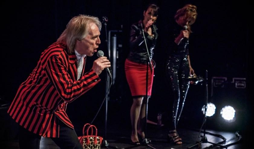 Bert Heerink zingt met de LA Live Band hits van de Stones.