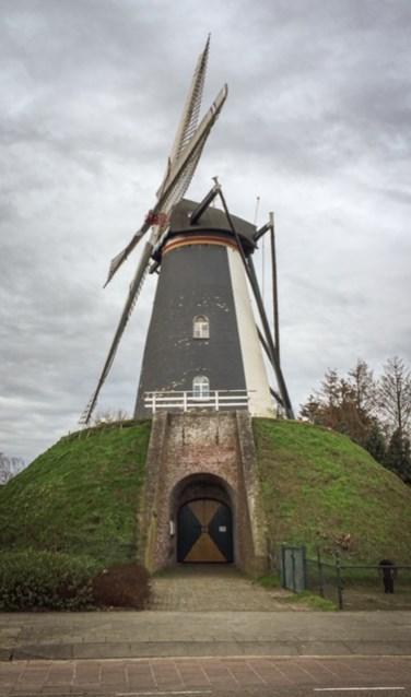Bergmolen Sint Victor aan de Leenderweg in Heeze. De foto is gemaakt door Abel.