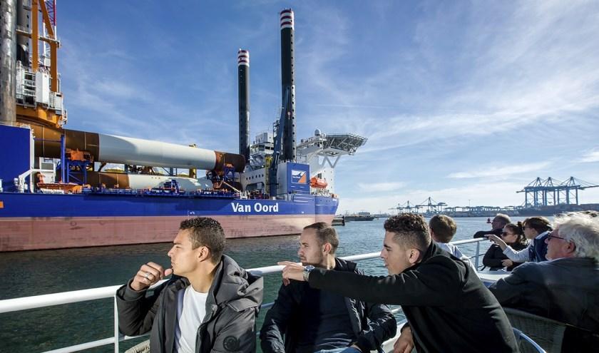 Uiteraard zijn er in de voorjaarsvakantie ook weer rondleidingen en vaarttochten door het havengebied.