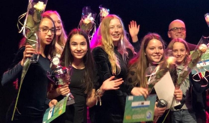 De winnaars van sportteam junioren en coach van het jaar 2019 in gemeente Zwijndrecht.