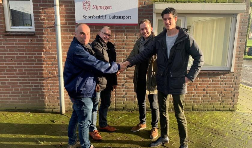 Vertegenwoordigers van Gemeente Nijmegen en Michiel Cox (BTL Realisatie) kijken uit naar een sportieve samenwerking.