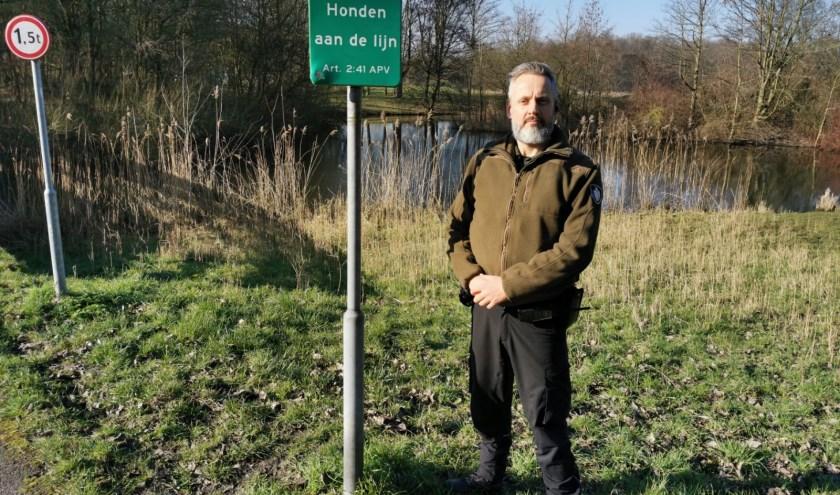 René Thijssen is de spin in het web voor het Zoetermeerse Flora en Faunabeheer. Bij een noodgeval, zoals een schaap te water, bel 112! Foto: R. Thijssen.