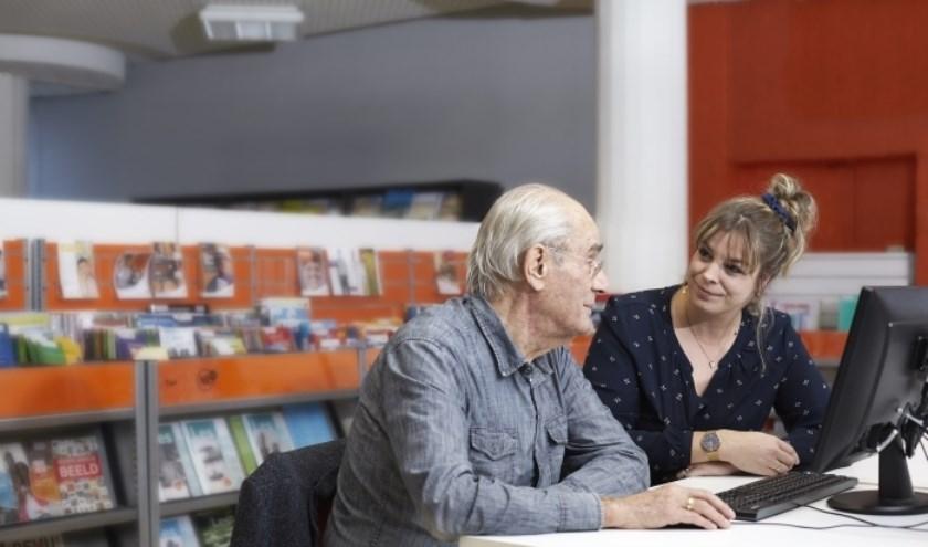 In het Digicafé kun je advies vragen, ervaringen delen over je laptop, tablet en mobiele telefoon.