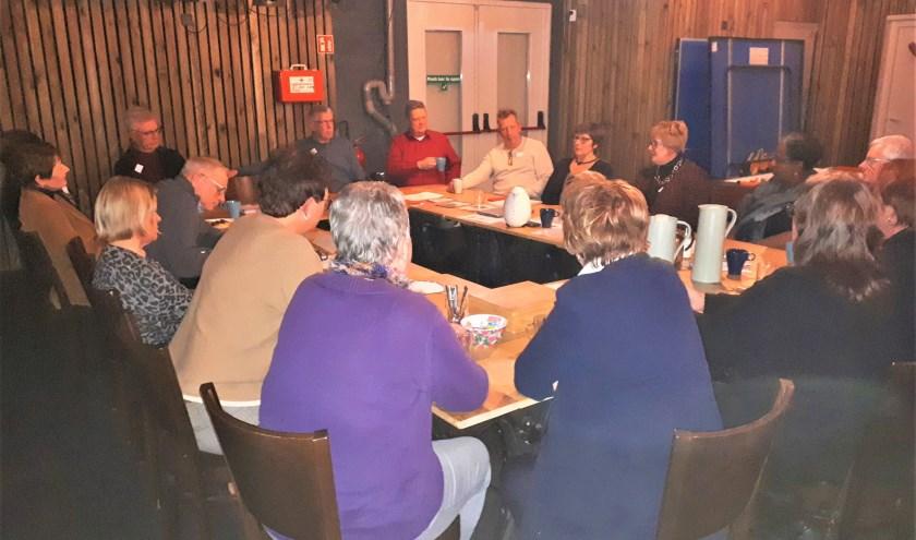 Tijdens een gezellige bijeenkomst deelden ervaren Maatjes mooie verhalen, waardoor de nieuwelingen extra gemotiveerd raakten
