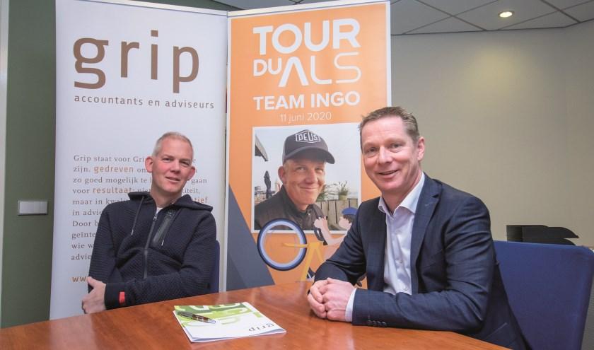 Directeur Rico Megens van Grip Accountants en Adviseurs (rechts) aan tafel met Ingo Bouman.