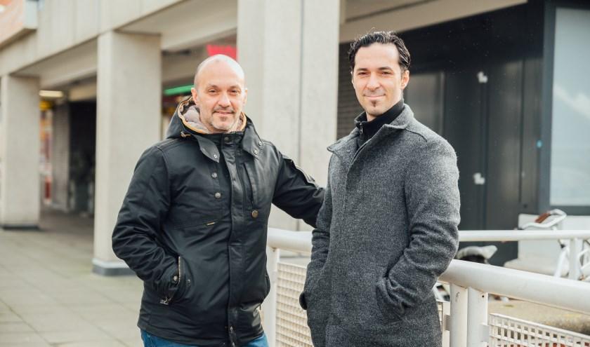 Yiannis en Dimitris Ikonomou zijn blij met de nieuwe vestiging op het Liesveldviaduct. Foto: Sarah Bond