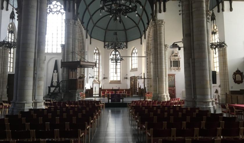 Interieur Sint Jacobskerk Vlissingen FOTO JOS VOGEL