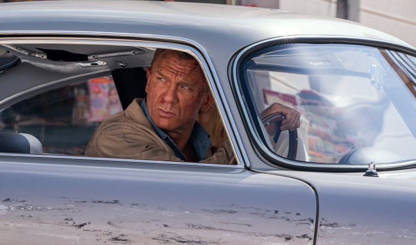 B25_31842_RC2James Bond (Daniel Craig) and Dr. Madeleine Swann (Léa Seydoux)drive through Matera, Italy in NO TIME TO DIE, a DANJAQ and Metro Goldwyn Mayer Pictures film.Credit: Nicola Dove© 2019 DANJAQ, LLC AND MGM.  ALL RIGHTS RESERVED.