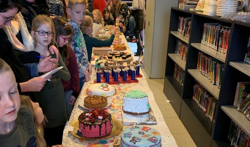 De taarten staan klaar voor de jury