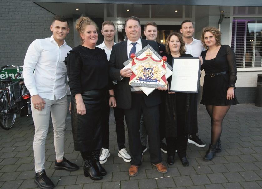 De trotse familie Koenen. V.l.n.r.: Jan,  Nicolette, Vincent, Paul, Arjan, Mirjam, Bas en Susanne.