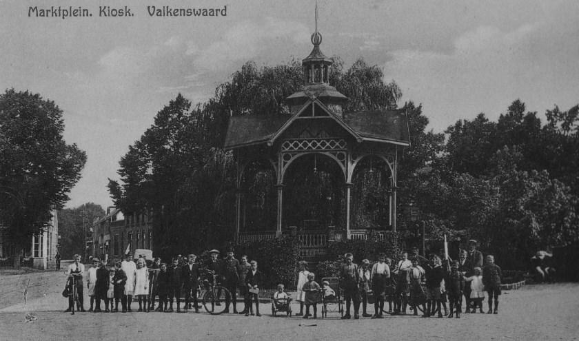 De Valkenswaardse markt, circa 1920 (coll. Weerderheem).