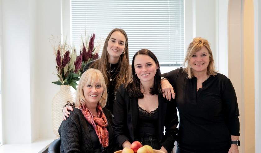 Het team van Femme Fit. V.l.n.r.: Mientje Hendriksen, Marene Hendriksen, Vera Hendriksen en Barbara Stronati.