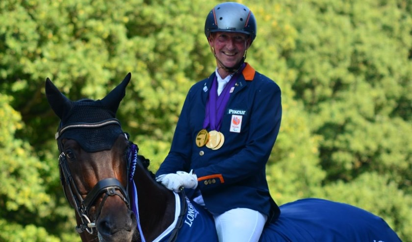 Frank en Alphaville na het behalen van hun 'gouden hattrick' bij de Europese kampioenschappen. (Foto: Frank Hosmar)