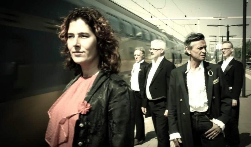 'Maas' staat op zaterdag 14 maart in Theater De Hofnar