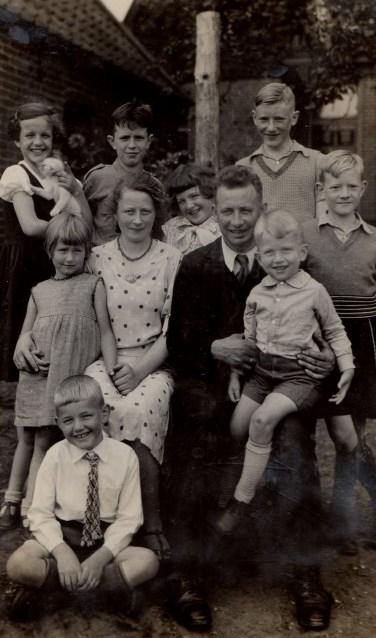 Een familiefoto uit particulier bezit.