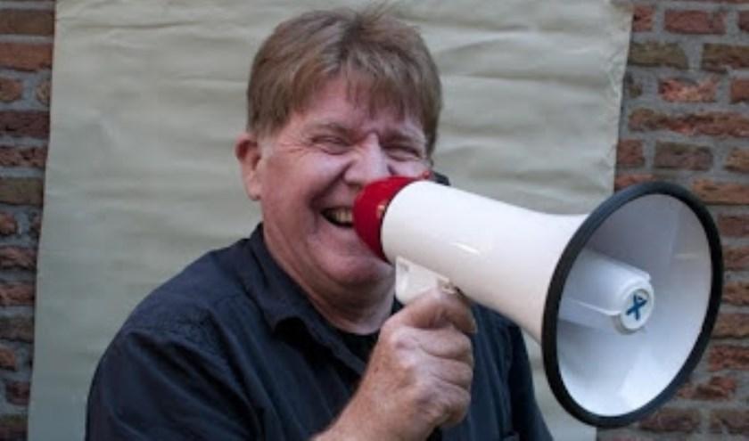 Kees Bos (oud-cabaretier en oud winnaar van het Cameretten festival) is op 8 april met zijn Songfestivalbingo in De Heerlijkheid.