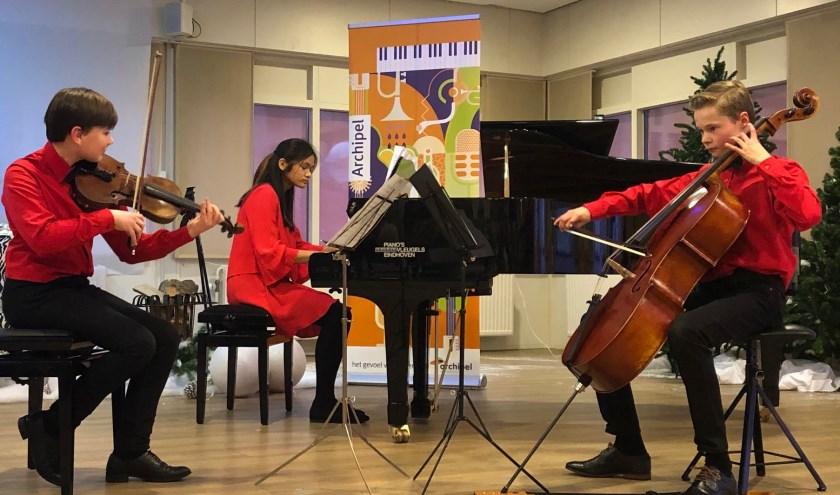 De zestien jonge deelnemers, van 8 tot 18 jaar, komen vanuit het hele land. Met een grote variëteit aan instrumenten zullen zij voor een prachtig concours zorgen.