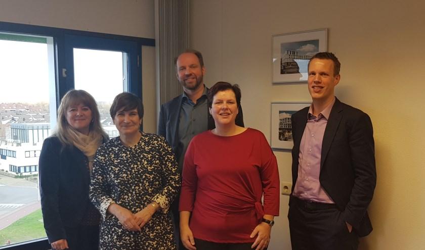 Lilianne Ploumen en Raadsleden PvdA Zoetermeer op bezoek bij directie LLZ
