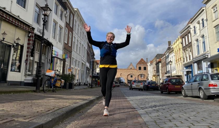 Je kunt alsnog een medaille verdienen als je vóór 1 april het parcours loopt. Kijk voor info op tworiversmarathon.nl.