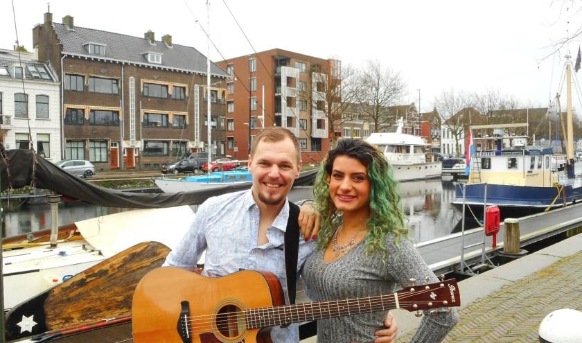 Maral & Daan hebben elkaar helemaal gevonden in de muziek. (Foto: Bart van der Linden)