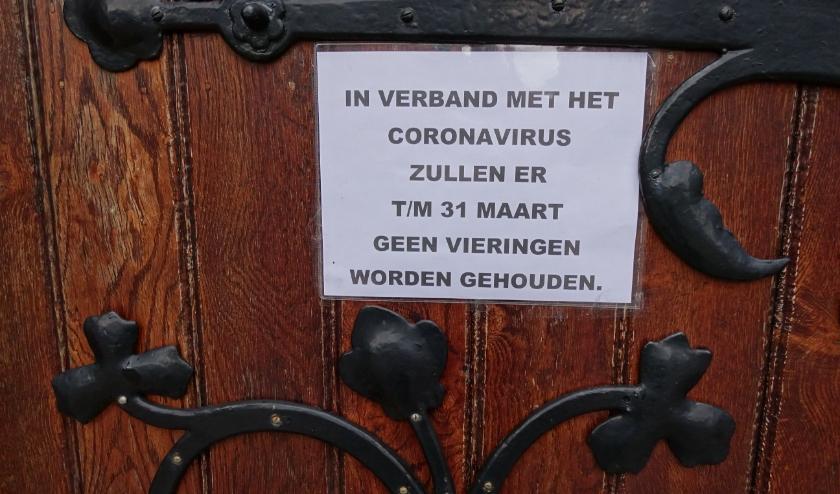 Ook alle kerken moesten hun deuren sluiten vanwege de maatregelen. Hier staat nog tot 31 maart, de datum die gold tot afgelopen weekend. (Foto: Margreet Nagtegaal)