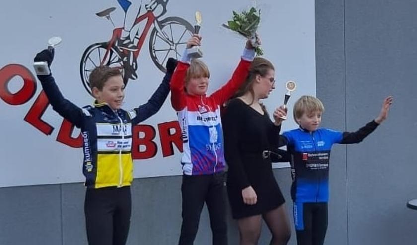 Beer van Beurden won de seizoenopeningswedstrijd op de mountainbike.