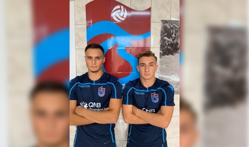 twee spelers voetbal