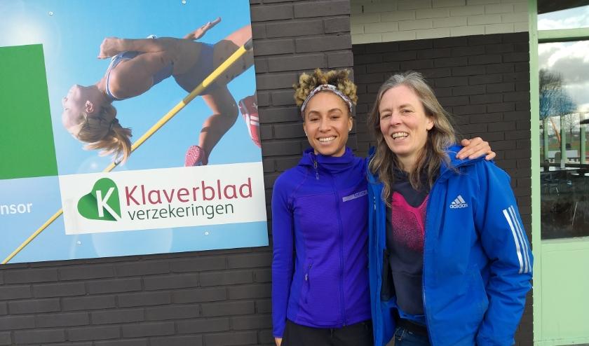 Jeannelle Scheper (l) met haar coach Marlies Larsen