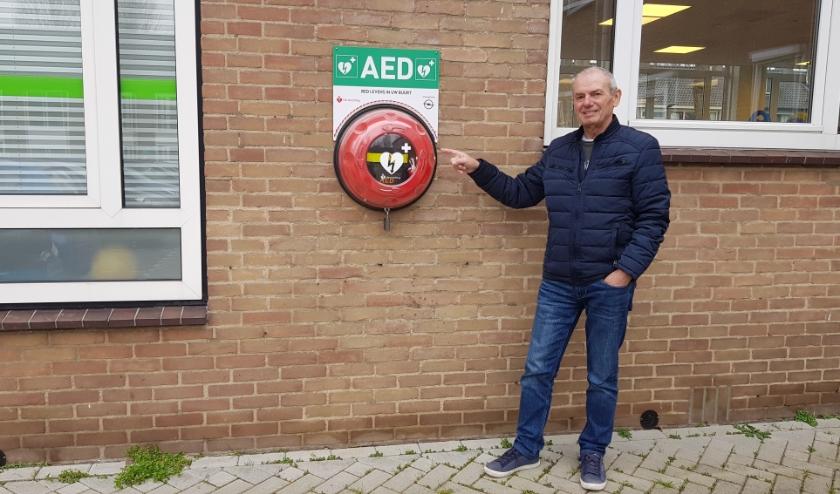 Gert Biljard voort actie voor een AED in Bilthoven-West.