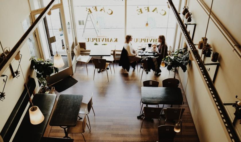 De cafés en restaurants waren al minder druk bezocht, maar nu is er een complete sluiting. (foto: Pixabay)
