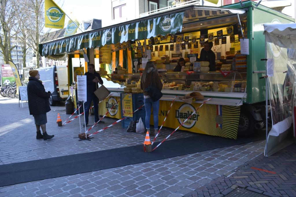 De markten in Veenendaal hadden al de nodige maatregelen getroffen. (Foto's Aart Aalbers/Markten Veenendaal) Foto:                                      © DPG Media