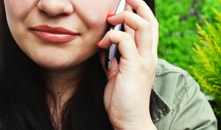 De buurt staat achter je! Vanaf vandaag belteams actief voor een praatje, praktische hulp of een luisterend oor!