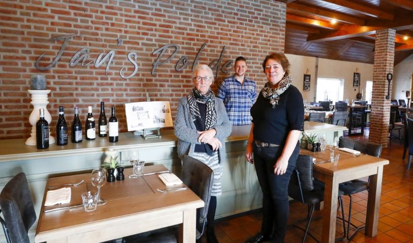 3 generaties praten over hun bedrijf, het restaurant Jan's Polder. FOTO: Bert Jansen.