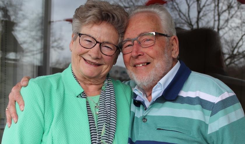 Mevrouw en meneer Meijer-Ravensbergen vierden onlangs samen met hun gezin hun diamanten huwelijk.