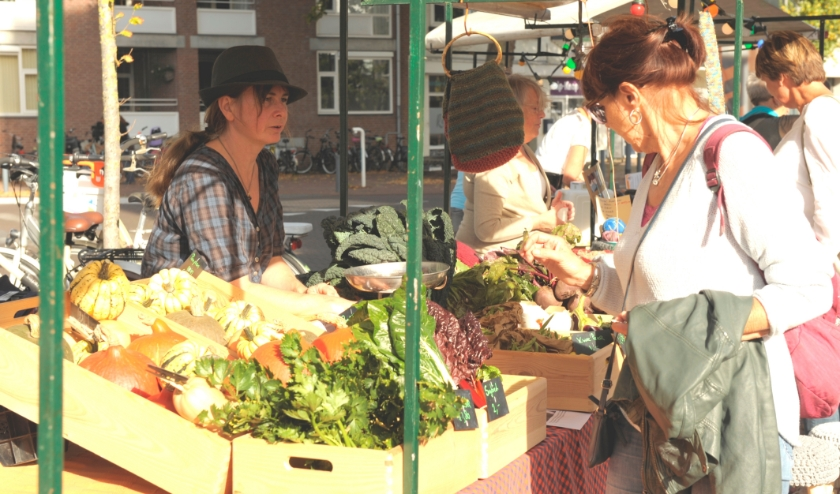 De Biltse Streekmarkt, één van de lokale duurzaam-voedsel-initiatieven. Foto: Els Bonten
