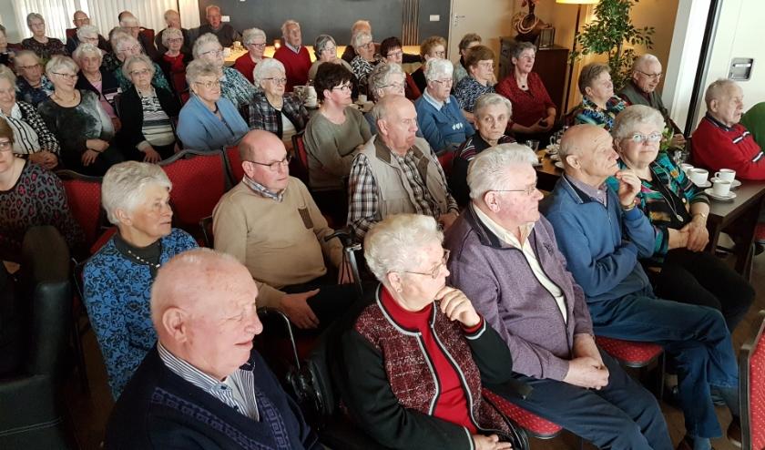 Zeventig senioren hebben een leuke middag gehad bij het Kulturhus Hoge Hexel. (Eigen foto)