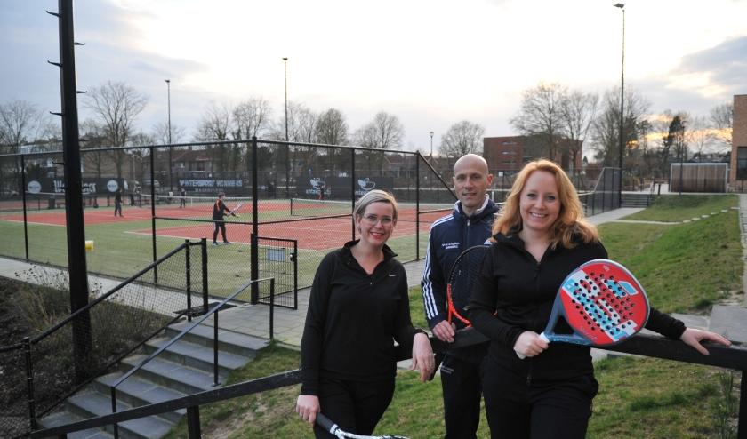 Aniek Mulder (links), trainer Andy Blom en Ronne Budding zijn enthousiast. (foto: gertbudding.nl)