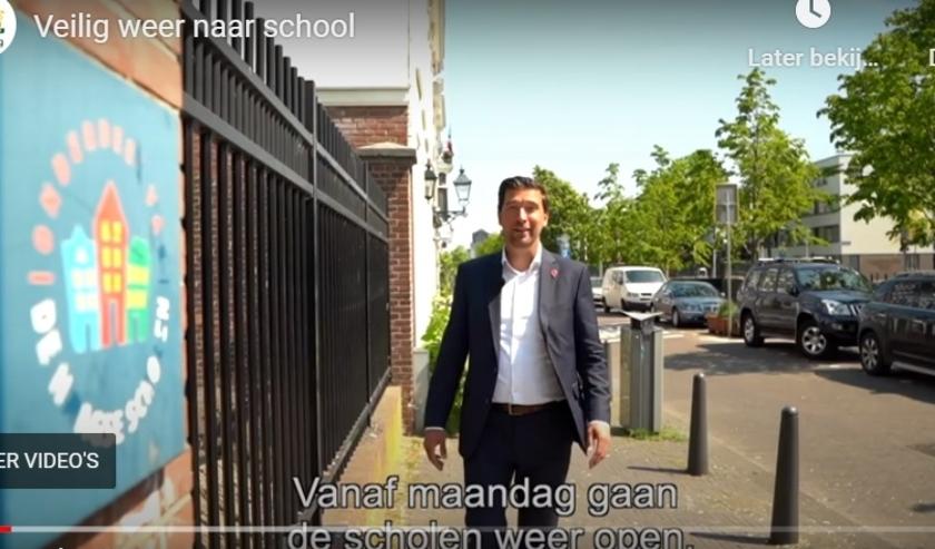 Wethouder Robert van Asten legt in een filmpje uit welke maatregelen de gemeente heeft genomen om ervoor te zorgen dat de kinderen maandag weer veilig naar school kunnen.