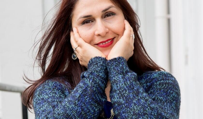 <p>Nia: &ldquo;Je kunt als vrouw wel studeren en een carri&egrave;re maken in Iran, maar de druk van ongelijkheid is groot.&rdquo; </p>