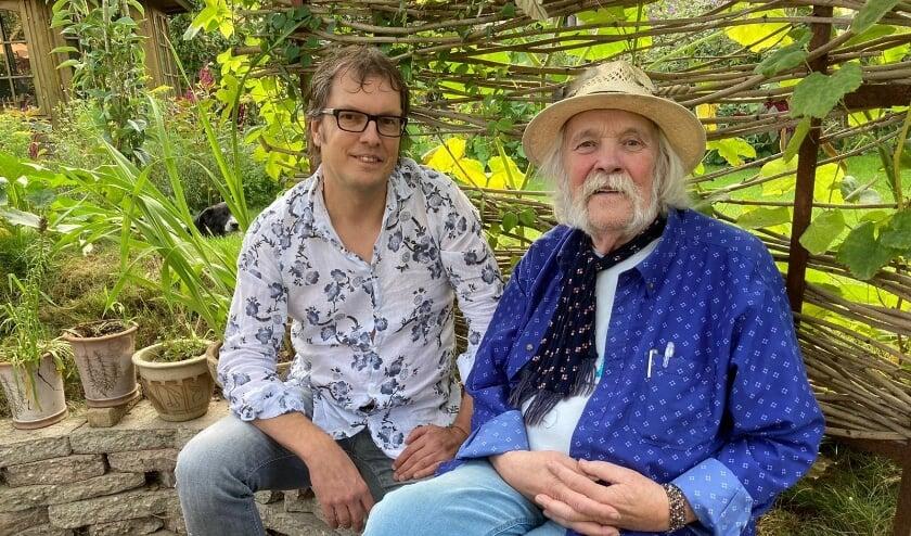 <p>De muzikale partners Izak Boom en Peter Blanker maakten een nieuwe cd, na uitgebreide gesprekken over wat Blanker (allang gepensioneerd) eigenlijk nog wilde zeggen. (Foto: Vicky van den Berge)</p>