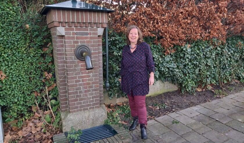 <p>Maartje Reitsma hoort graag wat er speelt in de dorpen van Maasdriel. Vroeger hoorde je dat bij de dorpspomp. Nu via andere kanalen.</p>