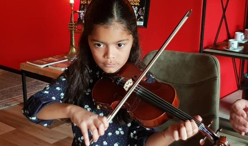 <p>Jongeren tussen de acht en zeventien jaar kunnen kennismaken met een instrument naar keuze.</p>