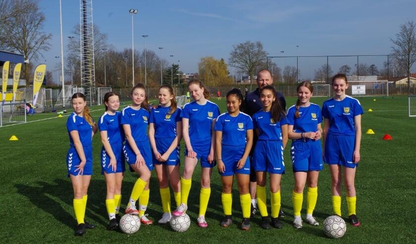 <p>De MO14 van VRC leren voetballen bij de Voetbal Academie (Co Keulstra)</p>
