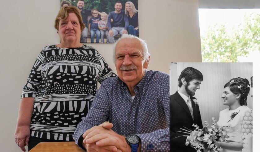 <p>Ad en Francien Welten zijn 50 jaar getrouwd. Door Corona komt van het groots vieren van dit feit, helaas weinig terecht. FOTO: Bert Jansen.</p>