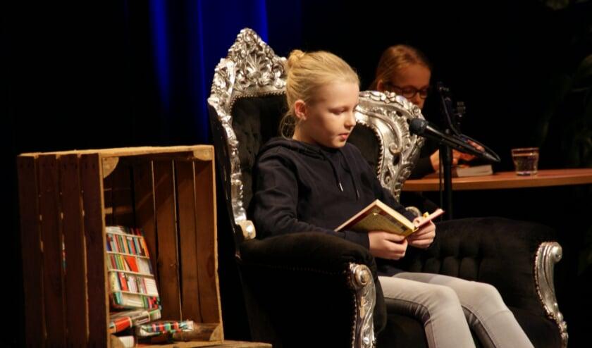 <p>Mathilde van Agthoven is de Veldhovense voorleeskampioen 2021.FOTO: Imke Duijf, Bibliotheek Veldhoven.</p>