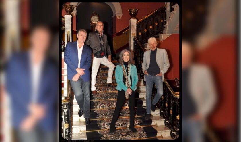 <p>Op de foto in Des Indes, v.l.n.r. Sjaak Bral, Martin Reitsma, Patricia Steur en Paul van Vliet (foto: Hans Ros)</p>