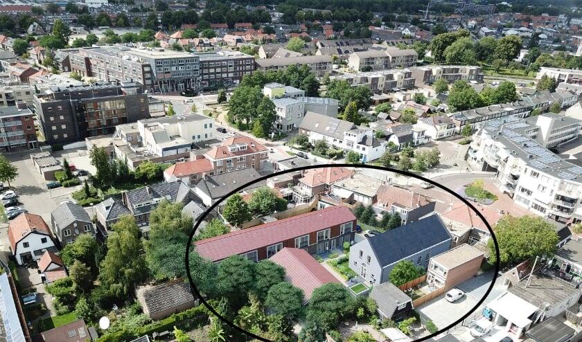 <p>Een impressie van het &#39;kerkje der afgescheidenen&#39; aan de Zandstraat volledig gerestaureerd en ingepland in de omgeving. Zie de omcirkeling.</p>