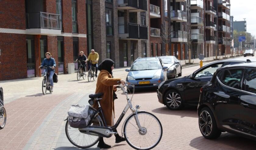 <p>Het was even wennen: fietsers op een eigen fietspad langs de Wolweg.&nbsp;</p>